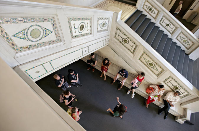 Chicago Walking Tour: Interior Architecture of the Loop and Pedway Tour