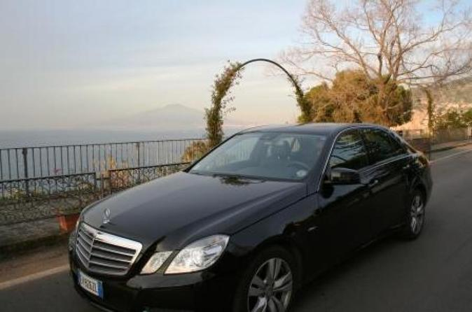 Private Transfer Naples Airport to Sorrento with English Speaking Driver and 2 Hours in Pompeii
