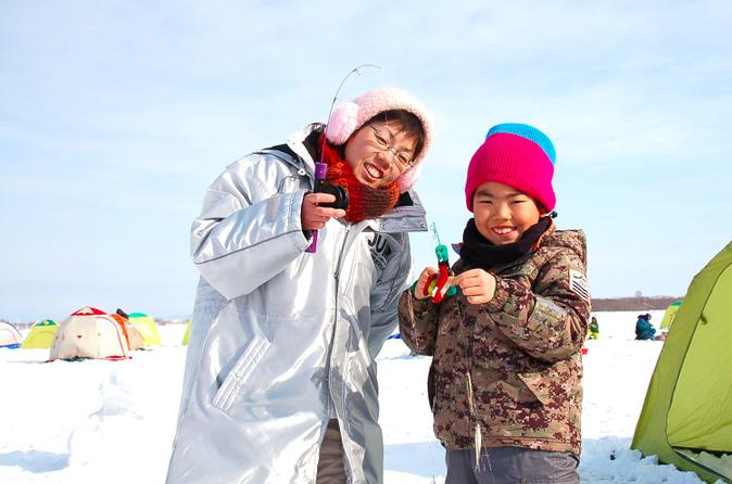 Ice-fishing-on-barato-river-from-sapporo-in-sapporo-162486