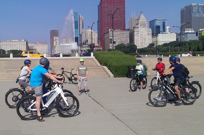 Chicago-electric-bike-ride-lakefront-trail-northerly-island-and-in-chicago-163975