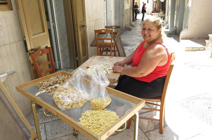 Bari Walking Tour with Pasta Making Class Experience