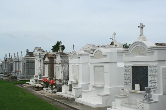 Crescent City & Cemetery Luxury Driving Tour