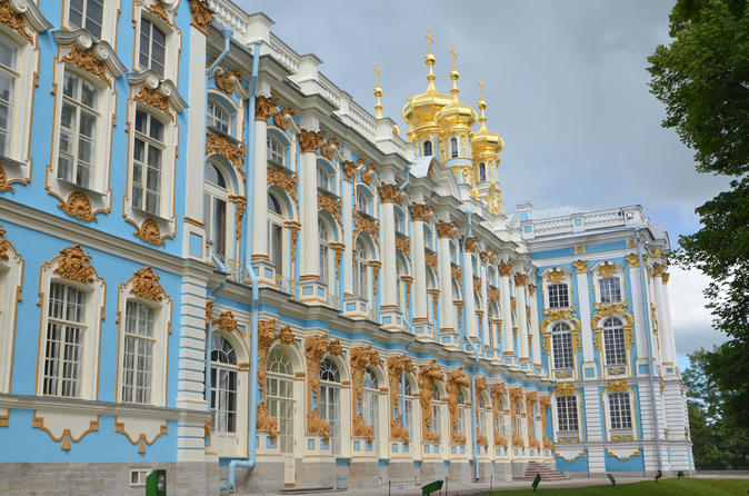 St. Petersburg Visa-Free 2-Day All Highlights Tour