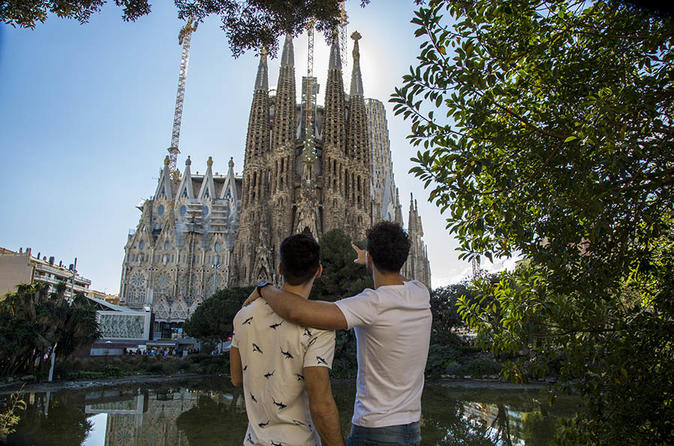 Barcelona?s Modernist Houses Private Gay Walking Tour with Sagrada Familia