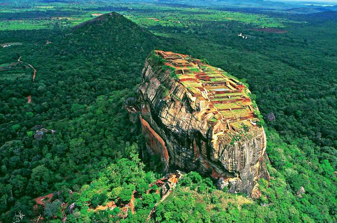 Sigiriya Rock Fortress and Cave Temples Private Day Trip