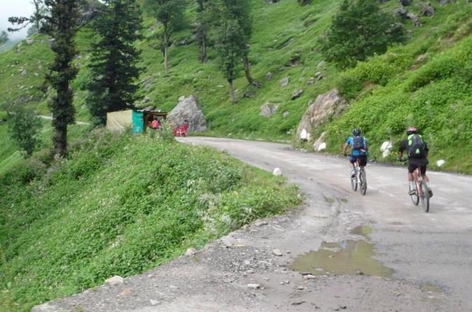 4-Day Sightseeing Mountain Bike Tour in Kullu Valley