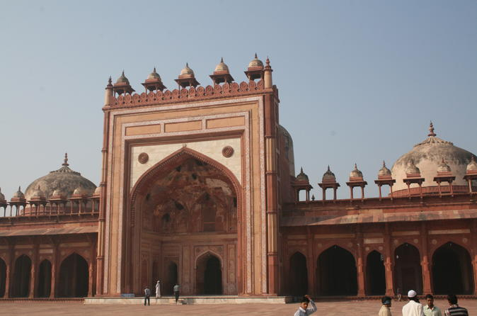 Private Day Trip to Fatehpur Sikri And Abhaneri Stepwells From Agra To Jaipur