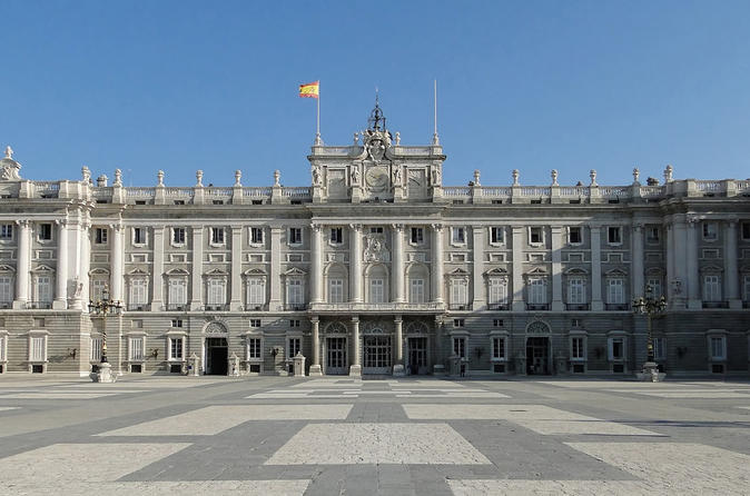 Private 2 hour guided visit of Royal Palace of Madrid