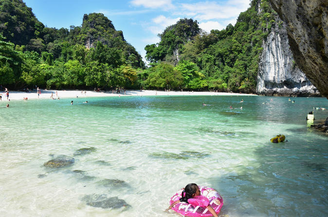 Hong Island Tour by Speedboat from Krabi with Sightseeing and Kayaking Option