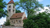 Private Tour: Sedlec Ossuary, Kacina Chateau, and Kutná Hora Tour from Prague Including Lunch