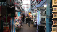 Private Half-Day Kowloon Walking Tour: Temples, Gardens and Markets
