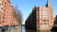 Guided Walking Tour in Hamburg: HafenCity, Speicherstadt and Elbe Philharmonic Hall