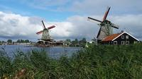 Private Day Trip from Amsterdam to Zaanse Schans Windmills, Volendam, and Marken