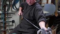 Meet with World-Famous Swordsmith Craftsman in Tokyo