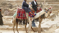 Small-Group Day Tour to Giza Pyramids, Egyptian Museum and Bazaar from Cairo