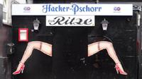 Hamburg Walking Tour: Red Light District and Reeperbahn