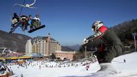 Full-Day Ski Package at Elysian Gangchon Ski Resort