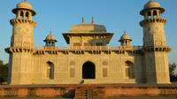 Taj Mahal and Agra Fort: Guided Day Tour from New Delhi