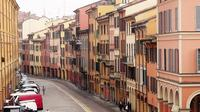 Bike Tour in Bologna with Gelato Tasting