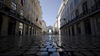 Lisbon Essential Tour: History Stories Lifestyle