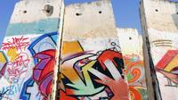 Private Half-Day Berlin Bike Tour: Berlin Wall and Cold War Sites