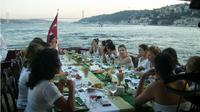 Half Day Istanbul Bosphorus and Black Sea Tour with Lunch
