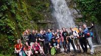 Dota's Red Wine Waterfalls Hiking and 4x4 Tour