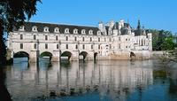 2-Day Chateaux Country Tour from Paris
