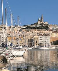 Explore the port of Marseille on your hop-on hop-off tour