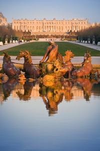 Paris to Versailles Round-Trip Coach Transfer