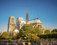 Skip-the-Line: Eiffel Tower Summit Access and Paris City Tour
