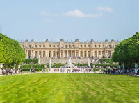 Small-Group Palace of Versailles Audio Guided Tour from Paris