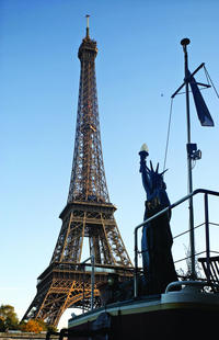 Versailles, Paris City Tour and Seine River Cruise Day Trip