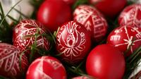 Easter in Hungary: One-Day Trip to Holloko or Mezőkövesd