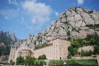 Excursión de medio día a la Basílica de Montserrat desde Barcelona