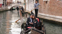 Fall in Love in Venice: Romantic Gondola and Typical Venetian Savors