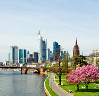 Frankfurt Layover Private Sightseeing Tour with Round-Trip Airport Transport Private Car Transfers