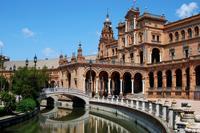 Visita al Alcázar, la catedral, el barrio de Santa Cruz, la plaza de toros y un crucero por el río en Sevilla