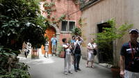 3-Hour Guided Walking Tour of Lyon With Silk Making