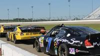 Lucas Oil Raceway Driving Experience