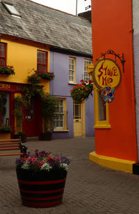 3-Day Southeast Ireland Tour from Dublin: Kilkenny, Blarney Castle, Glendalough, and Kinsale