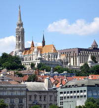 Budapest Combo: Hop-On Hop-Off Tour, Danube Sightseeing Cruise, Coffee and Cake, and Typical Hungarian Meal