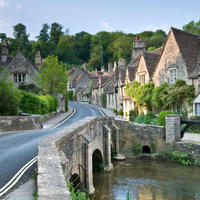 Lunch in the Cotswolds from London