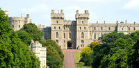 Stonehenge, Windsor Castle, Bath, Pub Lunch in Lacock