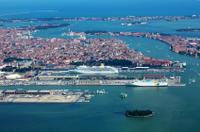Venice Shared Arrival Transfer: Marittima Cruise Port to Central Venice Private Car Transfers