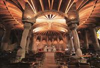 Escapada de un día a Barcelona: Montserrat, Colonia Güell y cripta de Gaudí