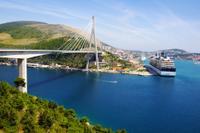 Private Arrival Transfer: Dubrovnik Port to Dubrovnik, Orebic or Korcula Hotels*