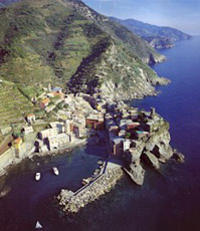 Explore the gorgeous Cinque Terre on a day trip from Florence!