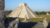 Small-Group Chichen Itza Guided Tour with Lunch and Cenote Swim from Cancun