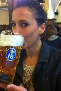 Munich Super Saver: City Bike Tour plus Bavarian Beer and Food Evening